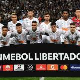Víctor Cantillo se ha ganado un cupo en la titular de Corinthians en los torneos de Brasil y en la Libertadores.