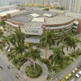 Centro comercial La Plazuela, uno de los seis que integran el plan piloto de reapertura en Cartagena.