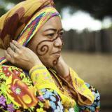 Yudelis Sapuana, del Grupo Artesanal Wajapü, de Maicao, La Guajira, está presente en la feria.