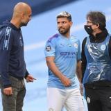 Guardiola junto al Kun Agüero el día de la lesión del delantero argentino.