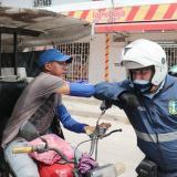 Tránsito de Soledad entregó ayudas alimentarias a motocarristas