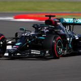 Hamilton batió por 313 milésimas a su compañero de equipo, el finlandés Valtteri Bottas, segundo en la 'Pole'.