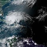 La tormenta tropical Isaías se debilita antes de llegar a la costa de Florida