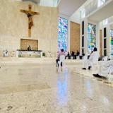 Los jóvenes invitados a la eucaristía en la Catedral  del Santo Ecce Homo.