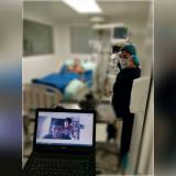 Una de las video-llamadas a pacientes internados en el Hospital La Divina Misericordia de Magangué.