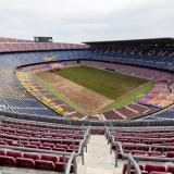 El estadio Camp Nou ya está siendo sometido a la sustitución de su gramado.