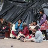 Indígenas acampan en parque de Bogotá y exigen albergue fijo