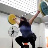 La pesista barranquillera María Fernanda García en el gimnasio del complejo acuático.