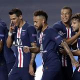 Los jugadores del PSG celebran una de las anotaciones.