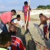 Muere un pescador y otro queda herido por un rayo frente a Camarones