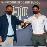 Barcelona presenta a Trincao en medio de la tormenta por la salida de Messi