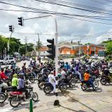 Motorizados protestan en la Murillo y piden flexibilizar restricciones