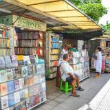 Libreros del Parque Centenario podrán vender hasta las 4 de la tarde