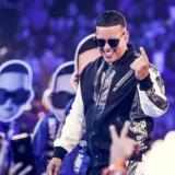 Daddy Yankee celebra premio de plataforma iHeartRadio por su tema 'Con Calma'