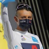 Egan Bernal se mantiene como segundo, a 21 segundos de Primoz Roglic, tras diez etapas del Tour.