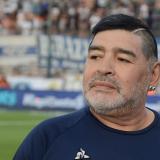 Maradona donará camisetas, comida y obras de infraestructura en Argentina