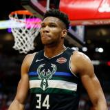 Antetokounmpo, MVP de la NBA por segundo año consecutivo