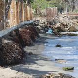 Declararán calamidad pública por erosión en Playa Salguero