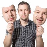 Por lo general cuando ocurre una agresión el victimario pasa de la ira a un falso acto de contrición.