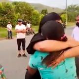 En video | Emotivo encuentro entre familiares de Juliana Giraldo y soldado
