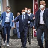 Berlusconi sigue dando positivo por Covid, un mes después de su contagio