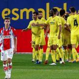 Los jugadores del Villarreal CF celebran el tercer gol del equipo ante el Deportivo Alavés.