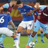 James Rodríguez en una acción de juego en el triunfo del Everton sobre el West Ham.