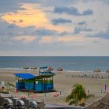 El alquiler de parasoles y sillas tendrá un costo que irá destinado a quienes han trabajado por años en las playas de Cartagena.