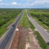 Duque entrega en Bosconia nuevo tramo de Ruta del Sol III