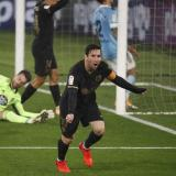 El argentino Lionel Messi festeja el segundo gol del Barcelona que se derivó de una acción suya.