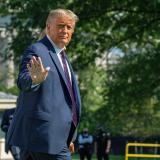 Donald Trump minimizó la Covid-19 más de 100 veces