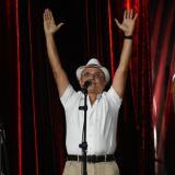 El compositor Luis Ángel ROdríguez celebra el triunfo de su canción