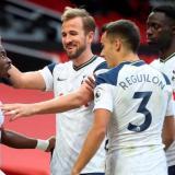 Tottenham, con Dávinson titular, humilló al Manchester United en Old Trafford