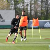 Lionel Messi y Lautaro Martínez durante un entrenamiento de la Selección Argentina.
