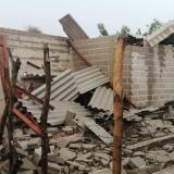 En video | Casas destechadas y árboles caídos deja vendaval en Santo Tomás