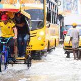Aspecto de la carrera 45 entre calles 35 y 38 durante la lluvia presentada el pasado domingo en la ciudad.