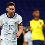 Lionel Messi celebrando el gol de tiro penalti.