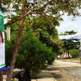 La publicidad de los distintos candidatos a la Alcaldía se ha tomado las polvorientas calles del municipio de Repelón.