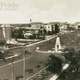 Panorámica de cómo lucía el Parque Los Fundadores en sus inicios. Este icónico lugar está anclado en el corazón de El Prado.