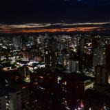 Una panorámica de Barranquilla por la noche.