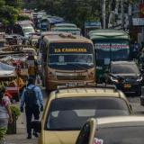 El caos de la intransitable calle 38 de Barranquilla