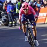 Daniel Felipe Martínez buscará alcanzar los diez primeros lugares en la Vuelta a España.