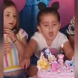 Cumpleañera le da un 'jalón' de pelos a su hermana y se vuelve viral
