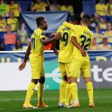 Bacca celebró con sus compañeros el gol ante el Sivasspor.