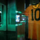 Viaje por los 80 años de Pelé en una muestra para inmortalizar su legado
