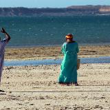 Dos indígenas de la etnia wayuu en la Bahía Portete, ubicada al nororiente de la península del departamento de La Guajira.