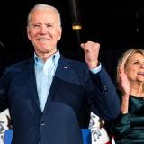 """Biden vota por anticipado en EE.UU. y pide apostar por """"un camino diferente"""""""
