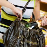 Gaseosas, enlatados y licores, los tres productos más robados en el comercio