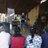 Una charla de socialización de un proyecto en Santa Rosa del Sur (Bolívar).