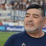 """Internan a Maradona por un """"bajón anímico"""""""